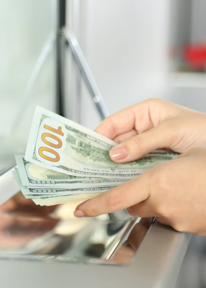 Forget Savings Accounts: These Checking Accounts Have Great Sign-Up Bonuses