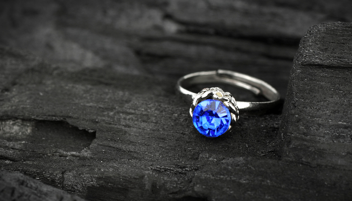 Thinking about Getting Engaged?Why Blue Diamonds are so Popular